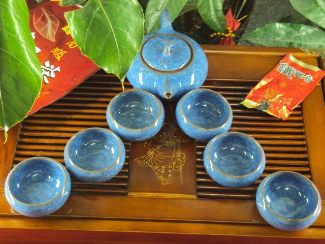 了解一下饮茶时冰裂茶具的保养知识