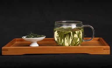 绿茶具有的得天独厚的功效与作用