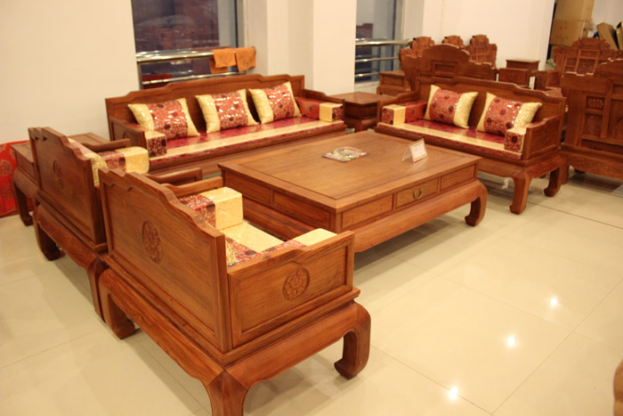 怎么对红黑酸枝木中式家具进行原料辨别