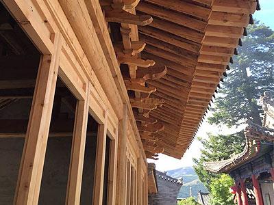 山西五台山黛螺顶寺院装修施工现场