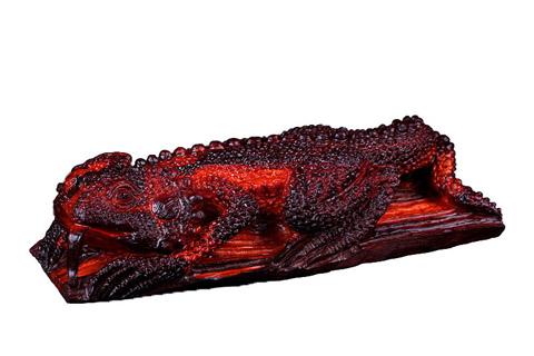 中式文化-历史悠久的民间艺术紫檀木雕摆件蜥蜴