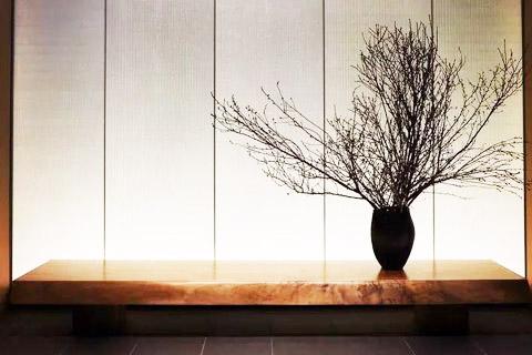 新中式装修软装利用设计技术,花艺技巧布局真实的风景