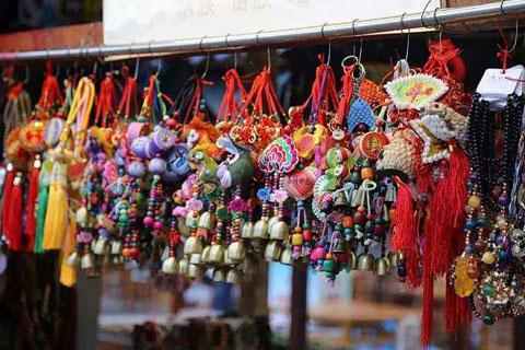 布依族刺绣工艺造型具有深厚的文化内涵