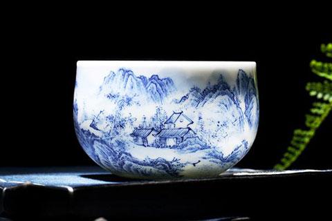 中式空间青瓷装饰 青花淡墨勾勒一处山水灵雅之境