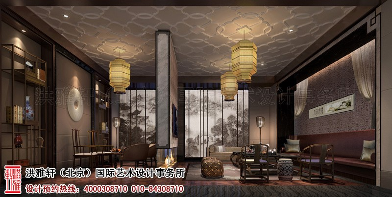 圆形餐桌,古典吊灯,墙面装饰画配置